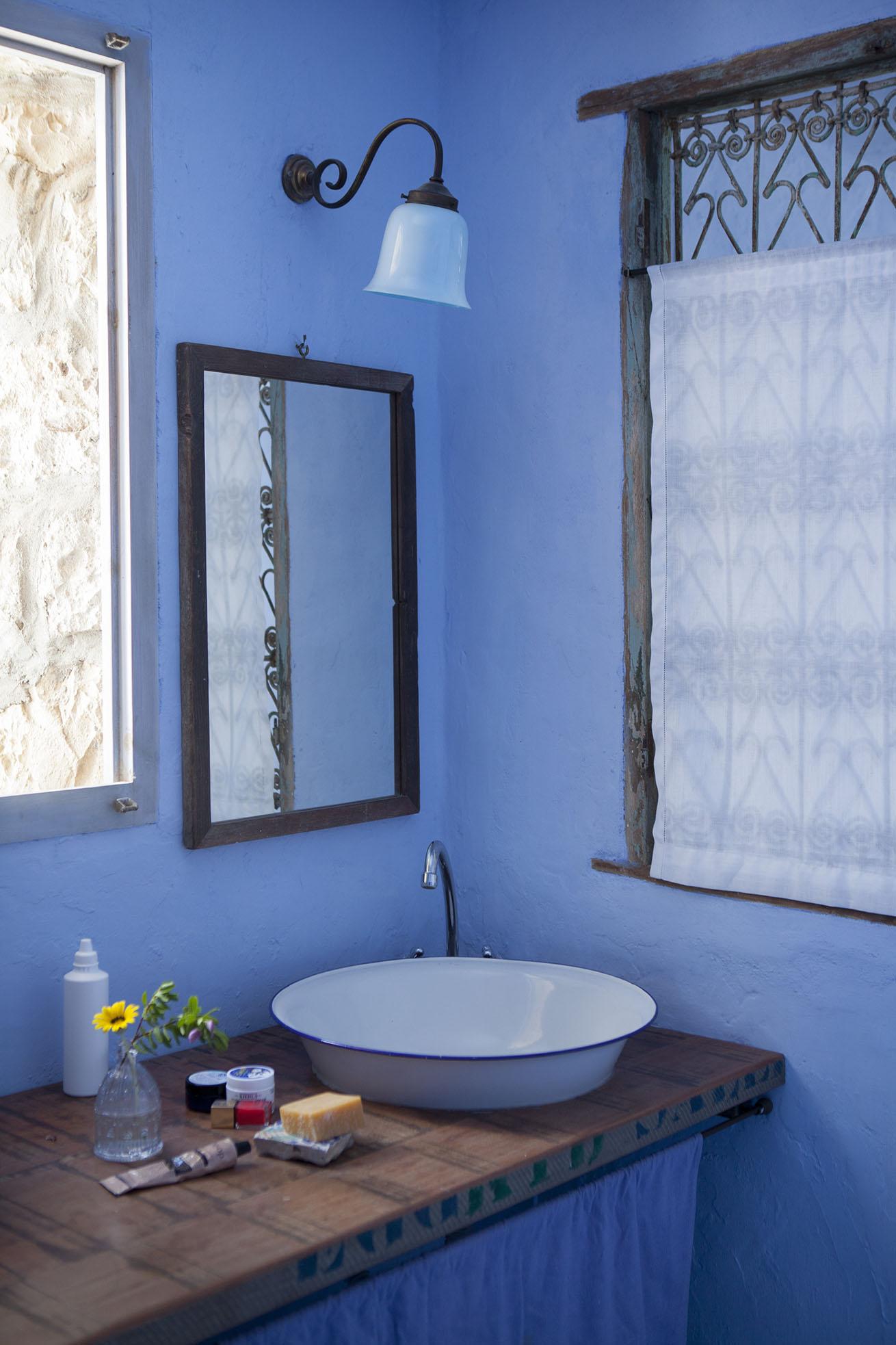 Il bagno di una delle stanze a Casadisale Carloforte
